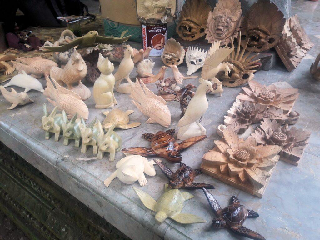 arma ubud bali sculpturi lemn
