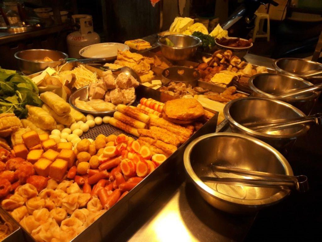 taichung taiwan zhongxiao night market