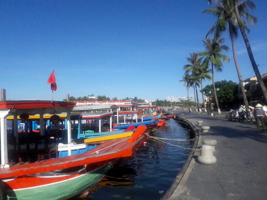 hoi an vietnam riverside