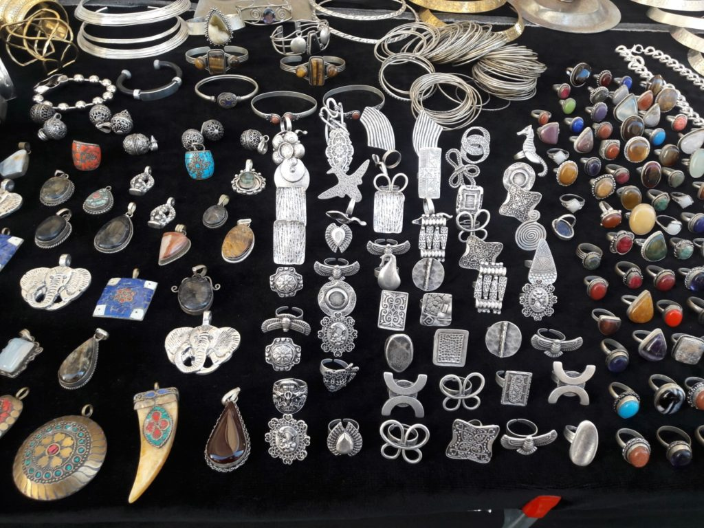 trinket market