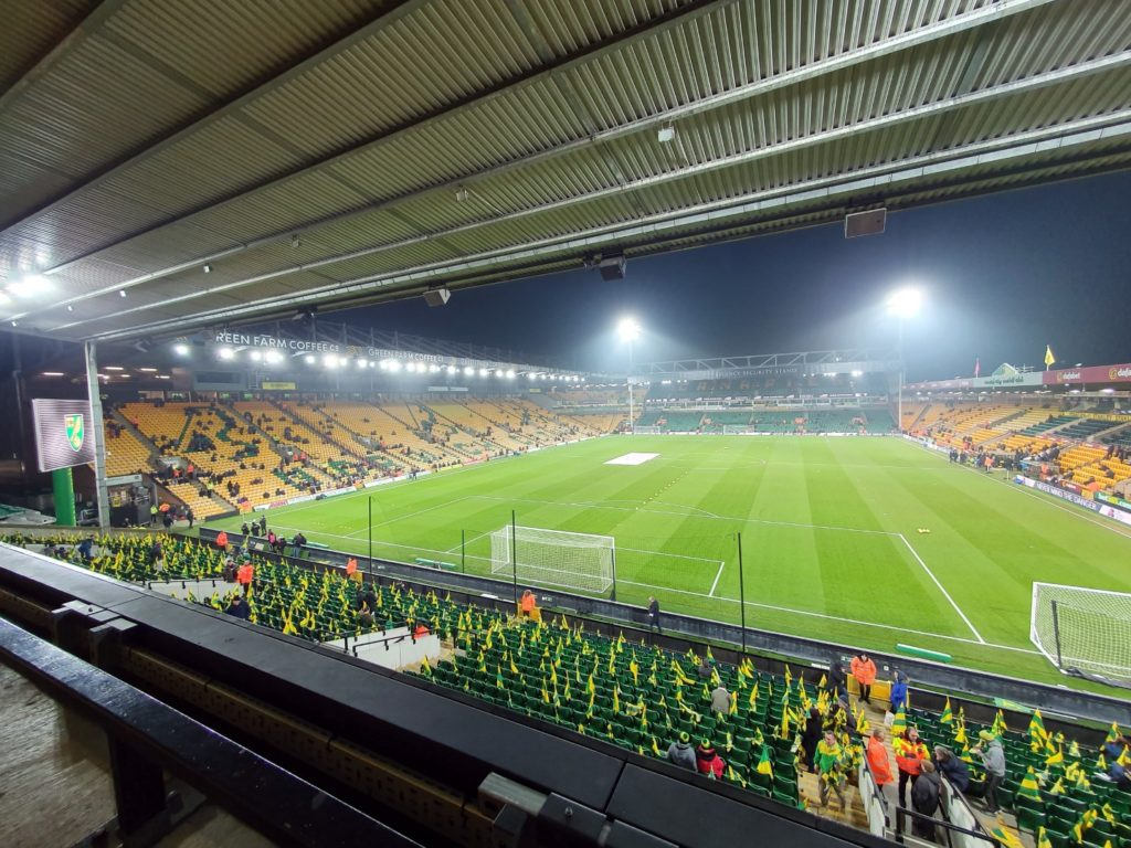 in tribune la un medi din premier league norwich city crystal palace