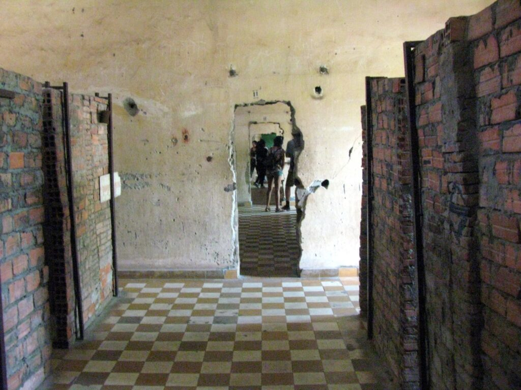 celule individuale muzeul genocidului